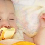 Как успокоить плачущего малыша