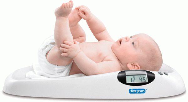 Как должен набирать вес ребенок до года
