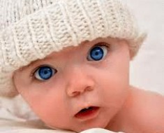 каким цветом глаза у новорожденного