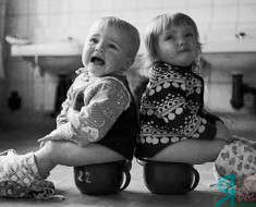 ребенок боится садиться на горшок