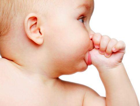 вредные привычки у детей до года