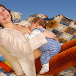 Поза для кормления малыш на маме