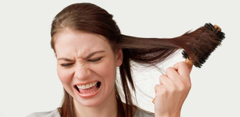 Когда начинают выпадать волосы после родов