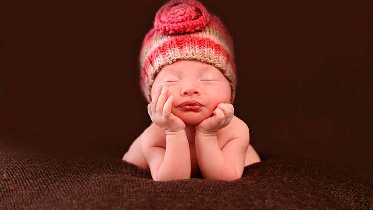 уход-за-новорожденным-ребеночком