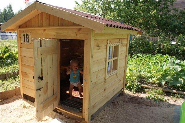 Деревянный игровой домик своими руками