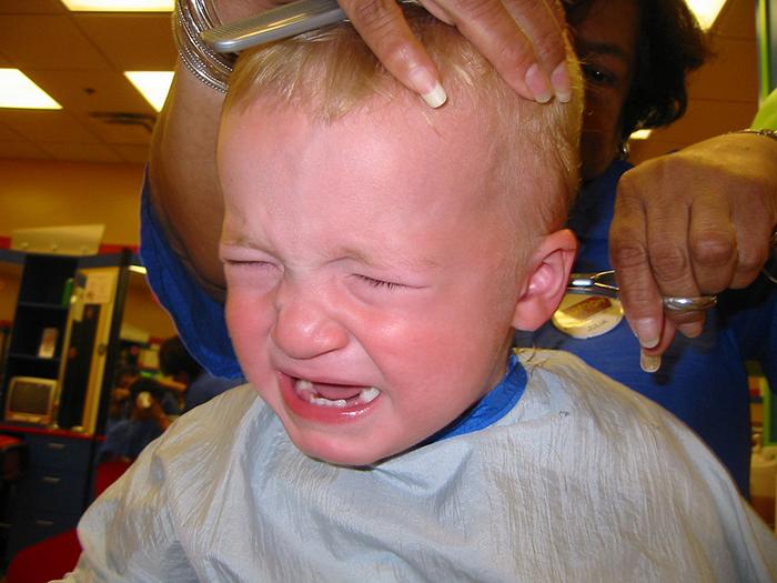 Как подстричь ребенка без истерик