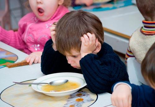 ребенок-не-кушает-в-садике