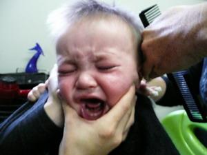 малыша подстригают в 1 год