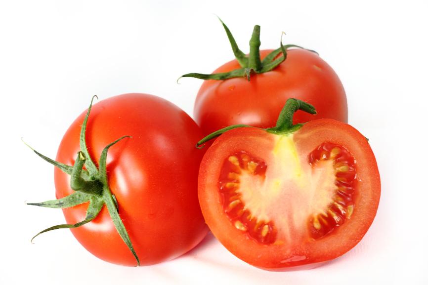 kogda-vvodit`-v-prikorm-pomidory`