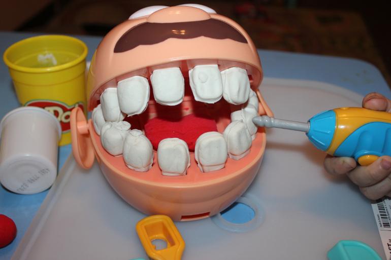 nabor-yunogo-stomatologa