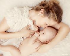 Почему новорожденный ребенок не спит или плохо спит днем - причины, что делать