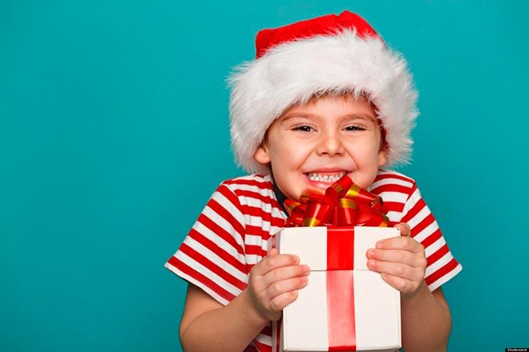 ребенок-требует-подарки-3