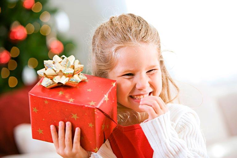 ребенок-требует-подарки