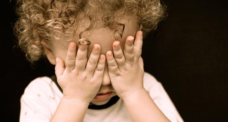 Ребенок боится своих рук во сне