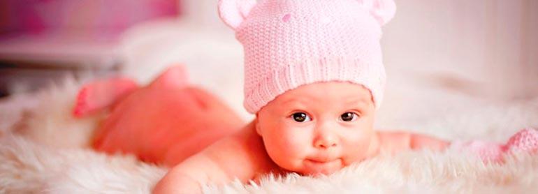 новорожденный-на-животике