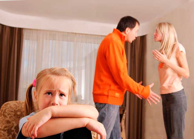 скандалы в семье при ребенке