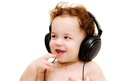 Что для ребенка лучше-читать сказки или слушать