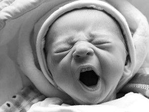 почему у новорожденного трясется подбородок