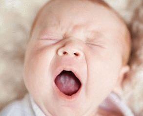 почему у новорожденного белый язык