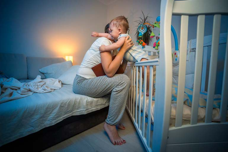 как уложить ребенка спать без истерик