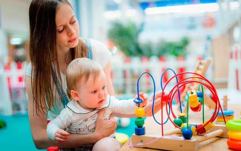игры с ребенком в 10 месяцев