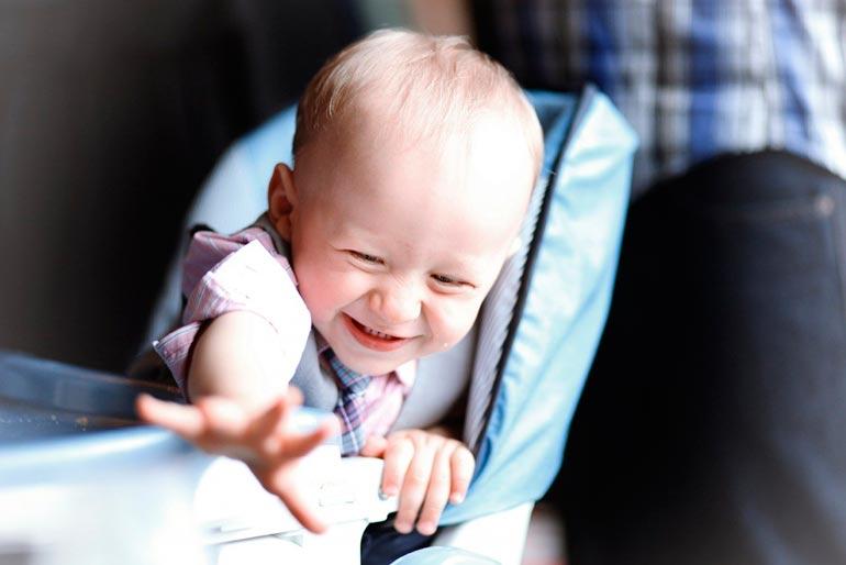 навыки-ребенка-в-8-месяцев