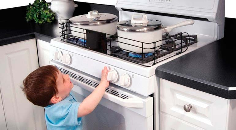 безопасность ребенка на кухне