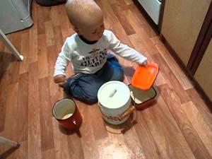 чем-занять-ребенка-на-кухне