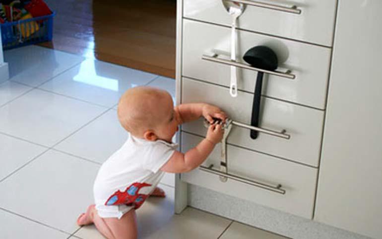 безопасность-ребенка-в-доме
