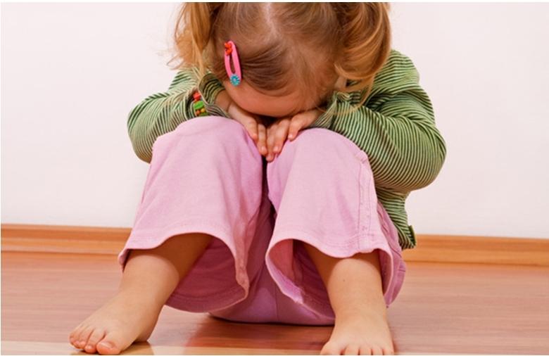 ребенок-плачет-в-детском-саду