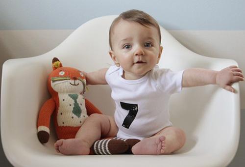 rebenok-7-mesiatcev