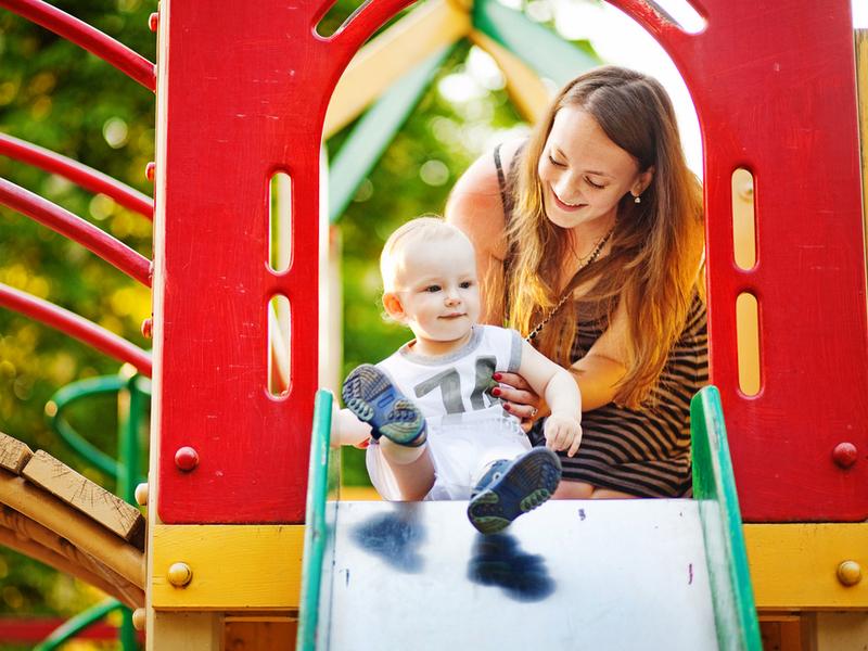 Pravila bezopasnosti na detskoi` ploshchadke