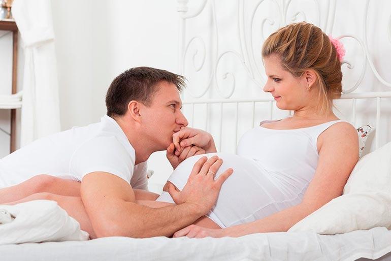 Как-пережить-беременность-жены-и-остаться-семьей