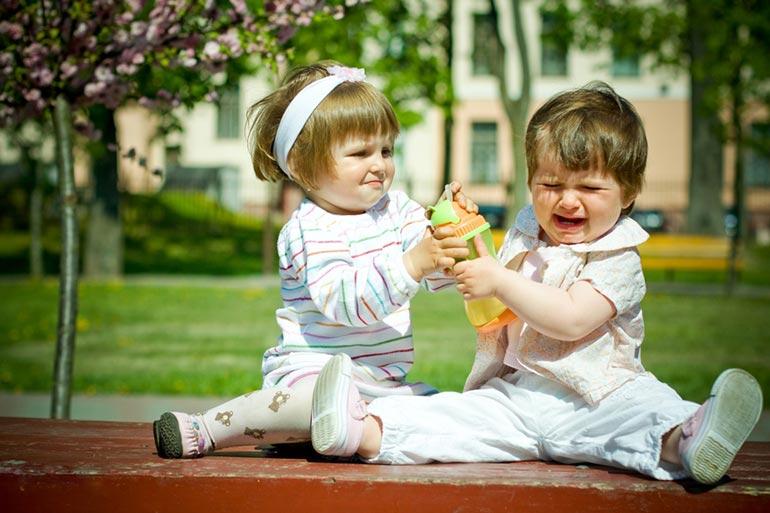 должен-ли-ребенок-делиться