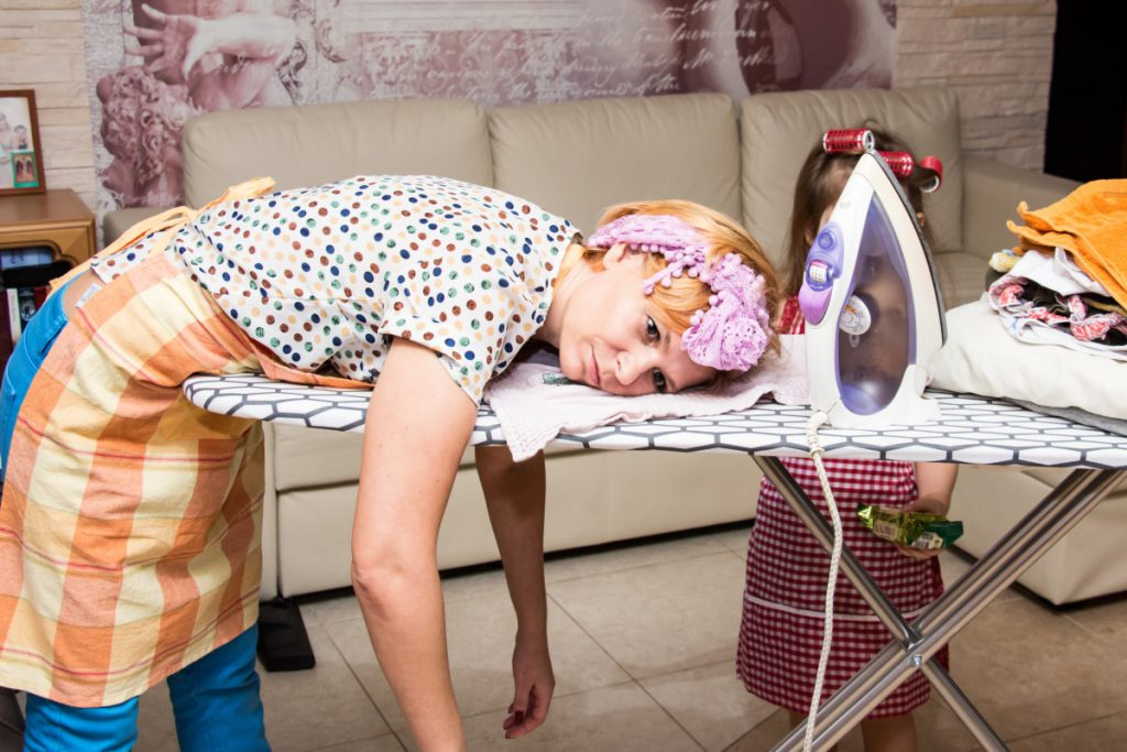 уставшая мама