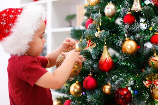 новогодняя елка в квартире где есть маленькие дети