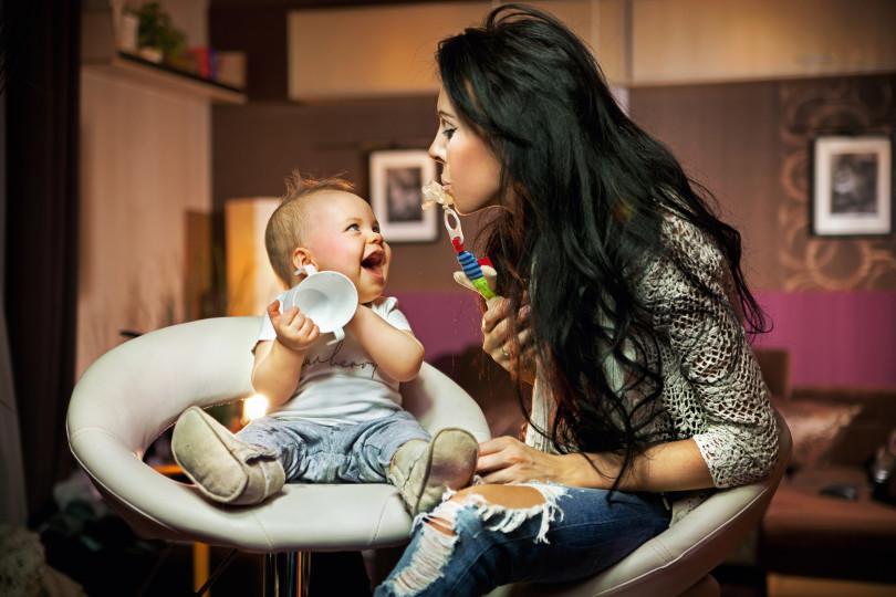 крутая мама с ребенком
