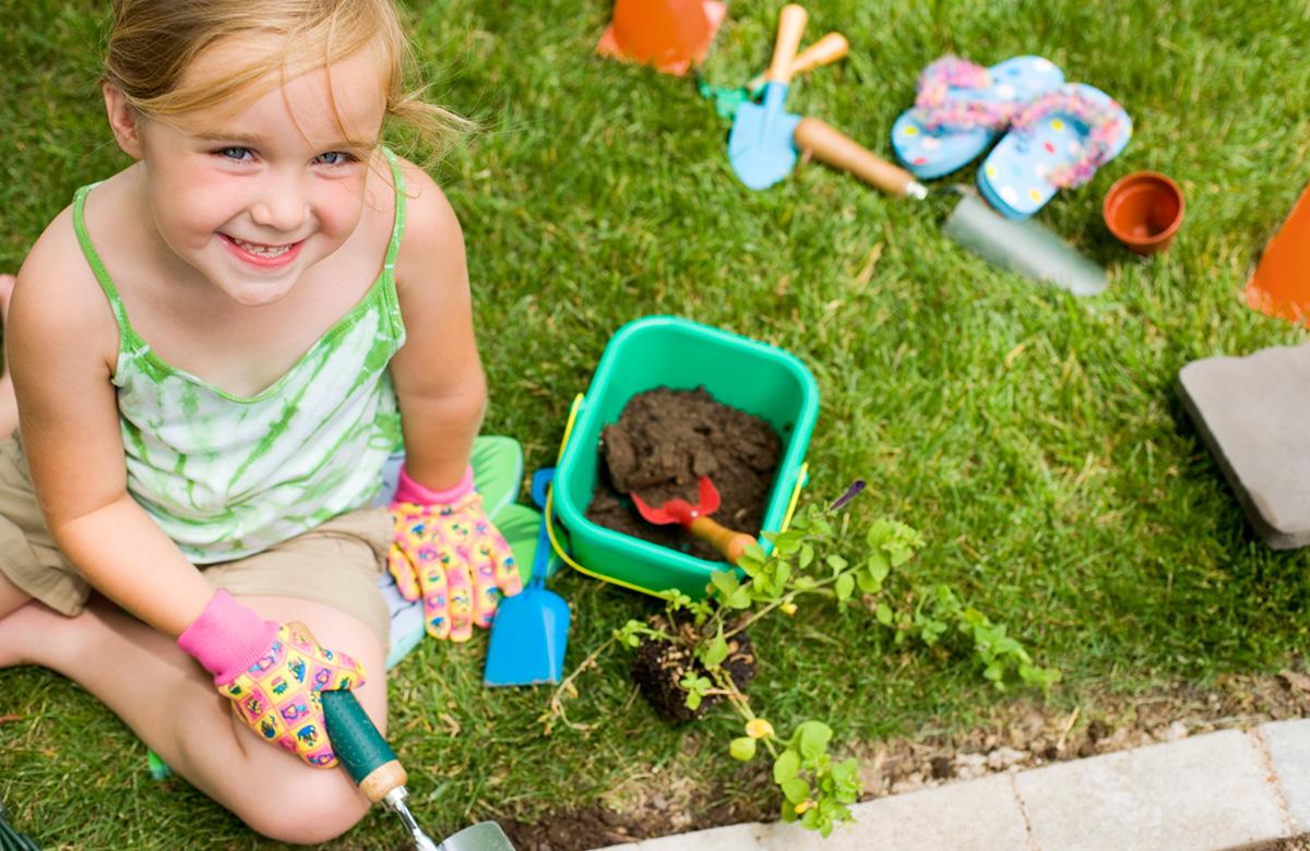 ребенок на даче летом польза