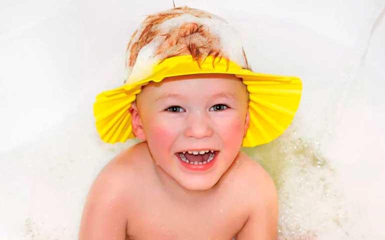 козырек для мытья головы ребенку