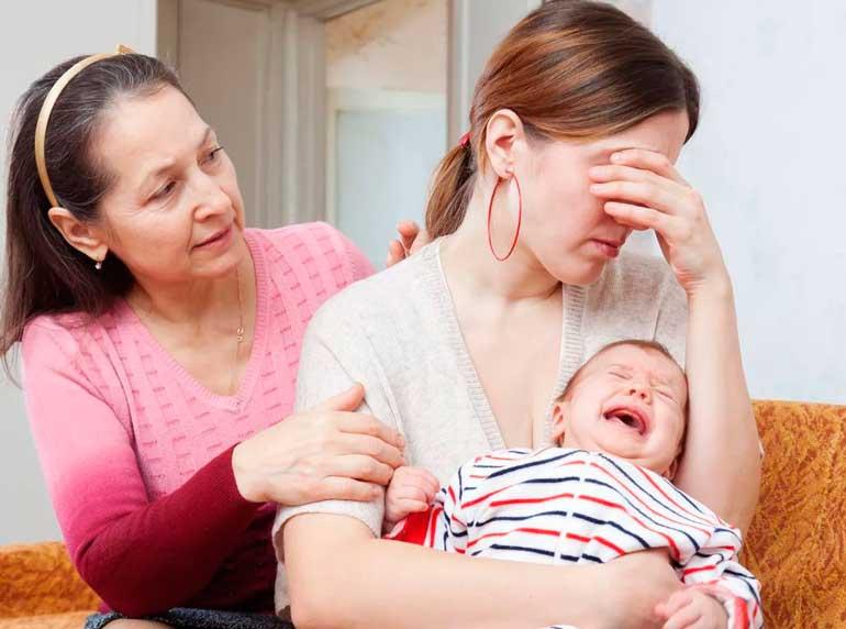 мне мама не помогает с ребенком