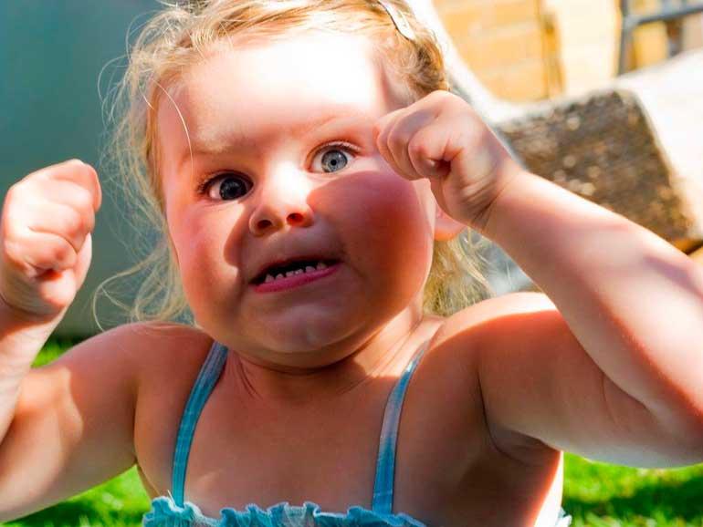 ребенок злит