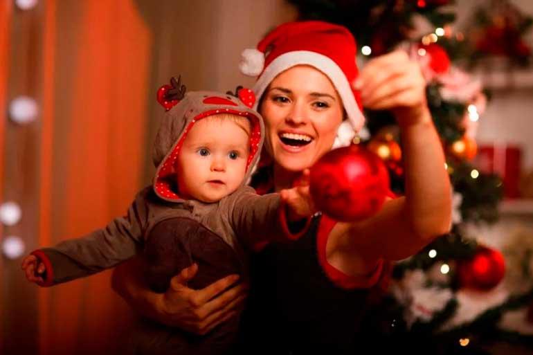 новогоднее-настроение-молодая-мама